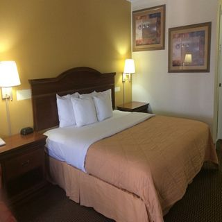 Single Bed at Sylvania Hotel